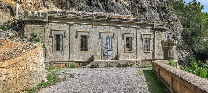Coma del Mal Pas, Cuevas y Polvorín de Génova (Na Beiana)